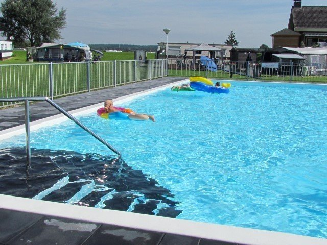 Zwembad met inlooptrap voor alle leeftjden